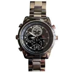 Montre caméra espion 4Go de mémoire bracelet argenté et fond noire métal